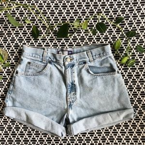 Vintage High Waisted Light Wash Jean Shorts